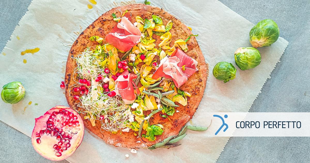 Pizza integrale con salvia e melagrana