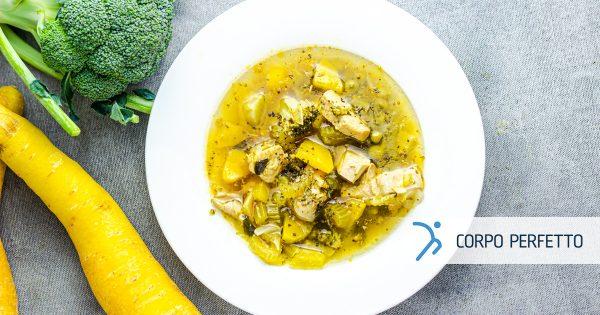 Zuppa di pollo casereccia